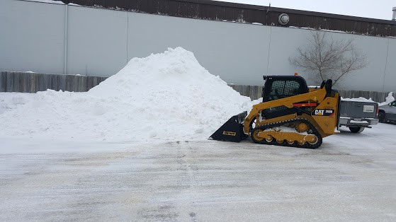 commercial-snow-removal-winnipeg (9)