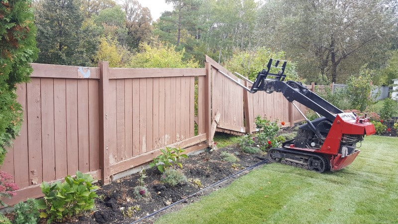 fence-removal-and-rebuild-winnipeg (2)