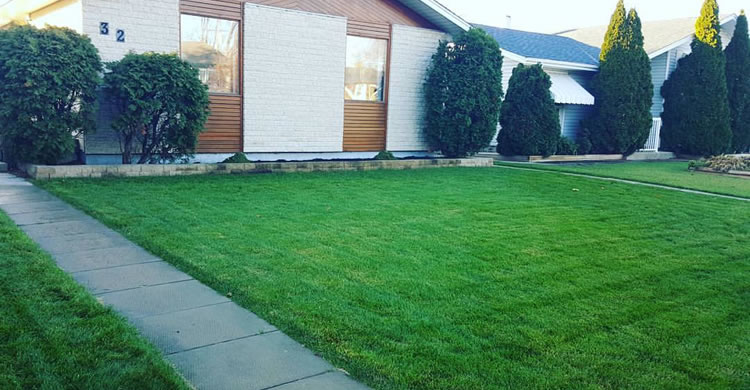 lawn-care-service-slider-winnipeg